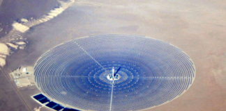 Concentrated solar power plant; Crescent Dunes Solar Energy Project as seen from an airliner